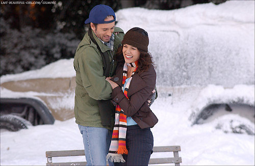 luke-lorelai-gilmore-girls--large-msg-136089158561